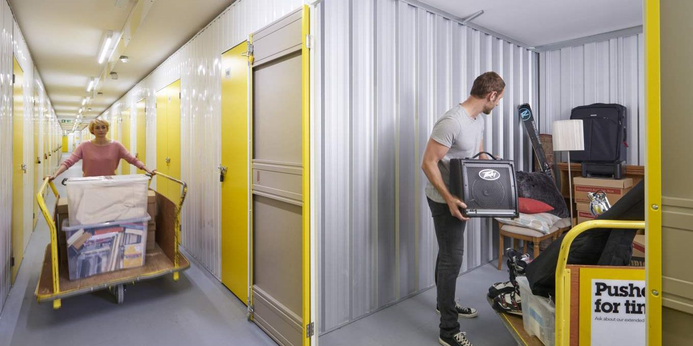 Choose the Best Storages Service for the Safety of Your Goods
